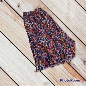 4/$20 Women's XS floral skirt